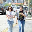 Kristen Stewart et Alicia Cargile dans les rues de Los Angeles