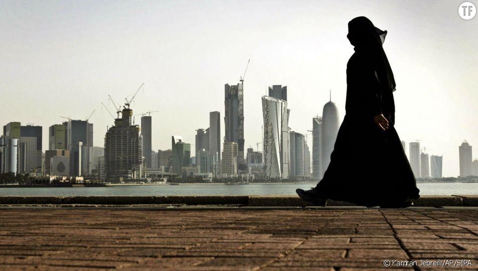 Une femme au Qatar