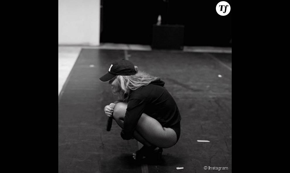 Beyoncé montre ses thighbrows sur Instagram