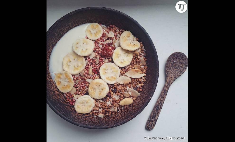 Recette de Qnola avec de la banane et du yaourt de soja