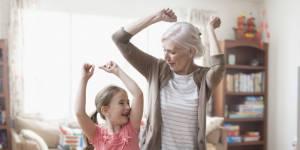 Faut-il instaurer le congé de grand-parentalité en France ?