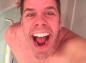 Faut-il éviter de prendre un bain avec ses enfants ? Le blogueur Perez Hilton pointé du doigt