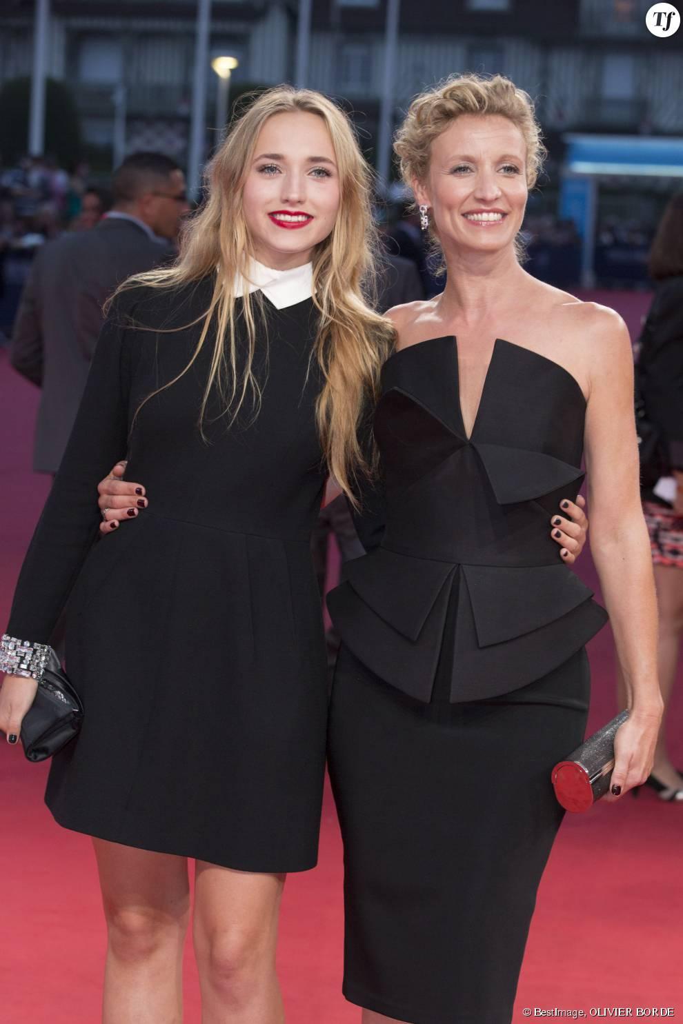 Alexandra lamy et sa fille chlo jouannet terrafemina for Jean dujardin en couple