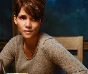 """Halle Berry dans la série """"Extant"""", déprogrammée par CBS."""