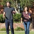 Ben Affleck et Jennifer Garner sortent ensemble d'un centre médical à Santa Monica, souriants malgré le fait qu'ils soient en plein divorce, le 3 septembre 2015