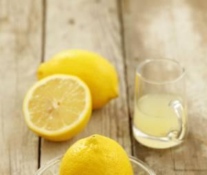Boire du jus de citron tiède est-il vraiment miraculeux ?