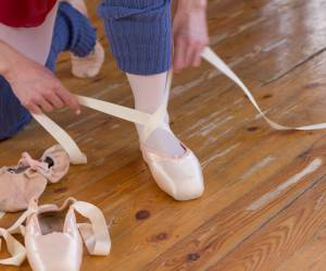 Iran : quand les danseuses chaussent leurs pointes en secret