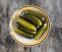 Manger des cornichons : la recette miracle pour être moins stressée ?