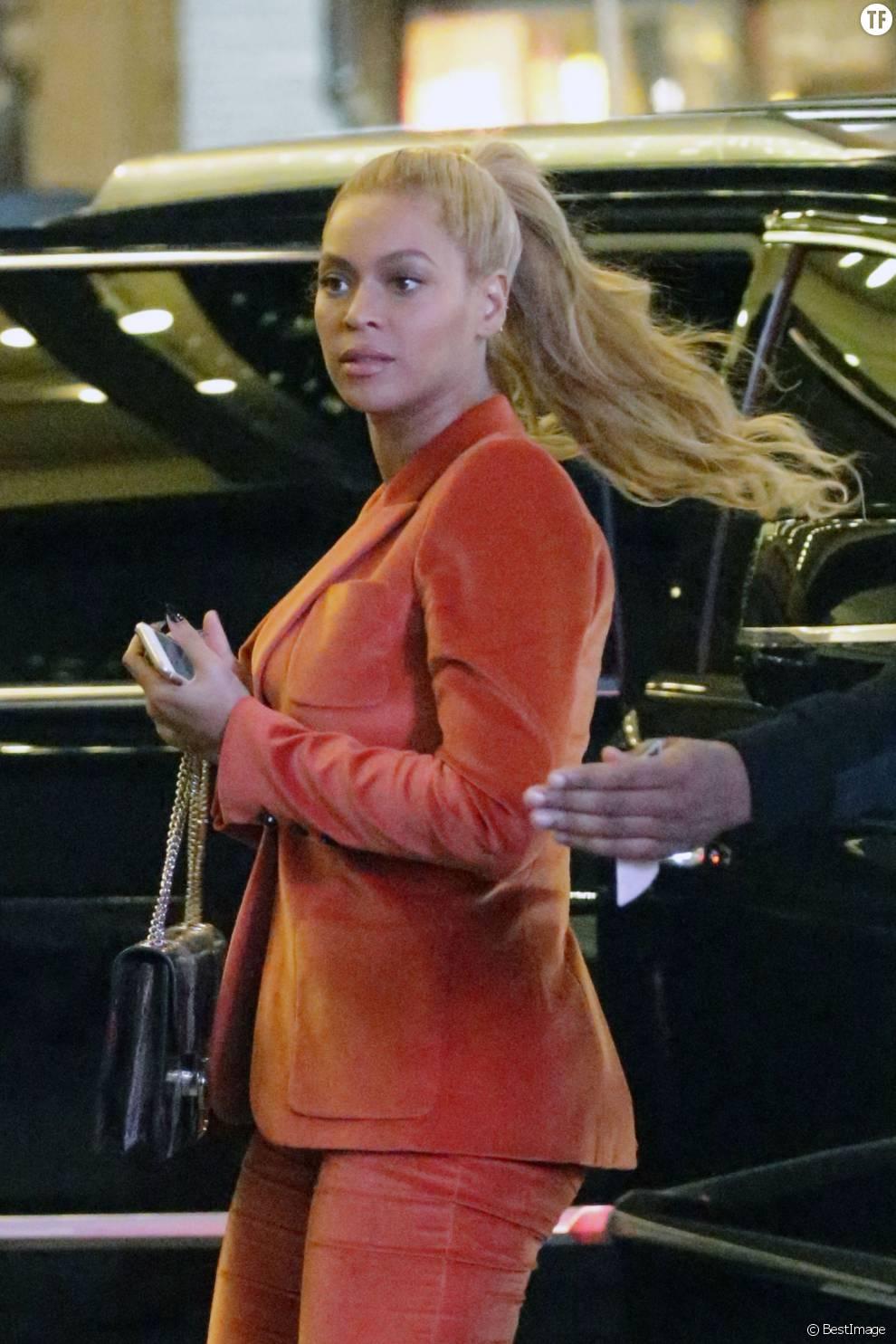"""Beyoncé Knowles et son mari Jay Z arrivent à la comédie musicale """"Hamilton"""" à New York le 21 octobre 2015 © CPA/ Bestimage"""