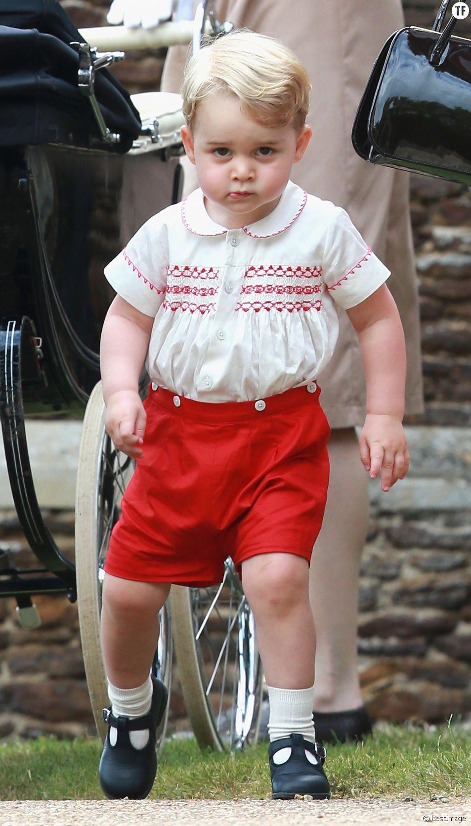 Le prince George de Cambridge - Sorties après le baptême de la princesse Charlotte de Cambridge à l'église St. Mary Magdalene à Sandringham, le 5 juillet 2015.