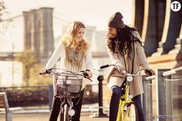 Pratiquer le vélo peut être un excellent moyen de vous retrouver entre amis ou en famille