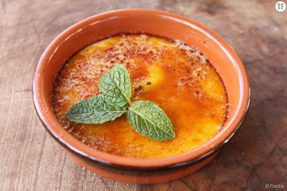 La recette de la crème brûlée au micro-onde.