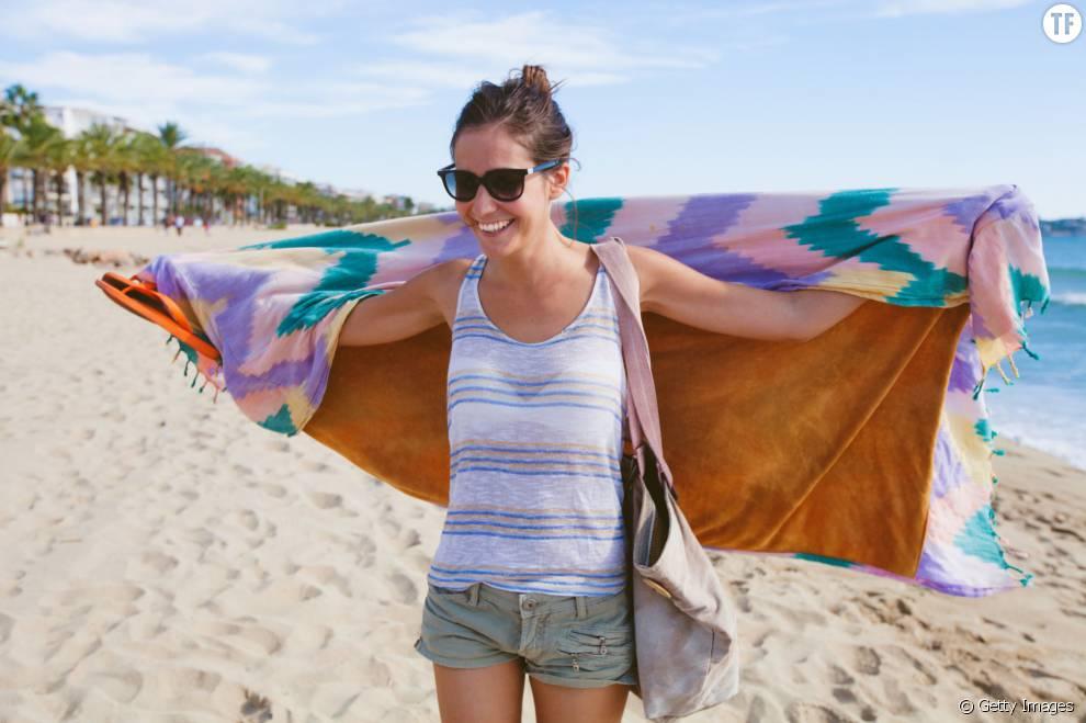 Voici quelques exercices sportifs à faire avec votre serviette de plage.