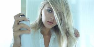 Le shampoing sec peut-il faire tomber nos cheveux ?