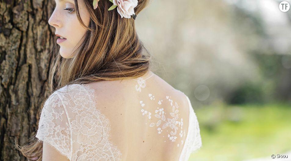 Un tatouage éphémère pour se marier, c'est la nouvelle tendance du printemps-été 2016.