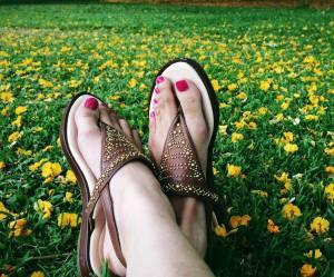 Des chaussettes magiques pour préparer nos pieds aux sandales