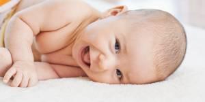 10 trucs effrayants chez un bébé (qui sont heureusement provisoires)