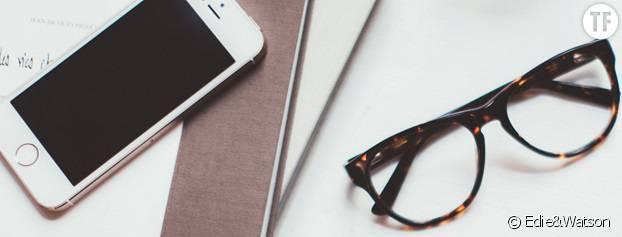 Des lunettes pour se protéger des effets néfastes de la lumière bleue émise par l'ordinateur.