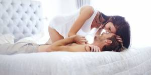 Sexe : les hommes simuleraient plus que les femmes