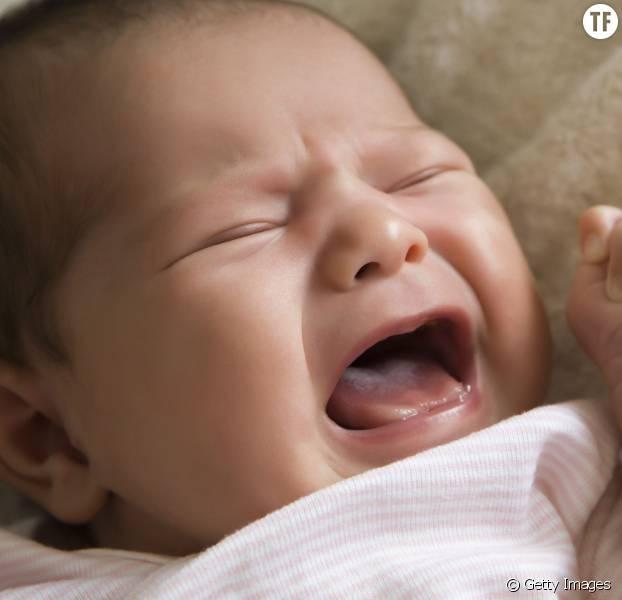 Laisser un bébé pleurer