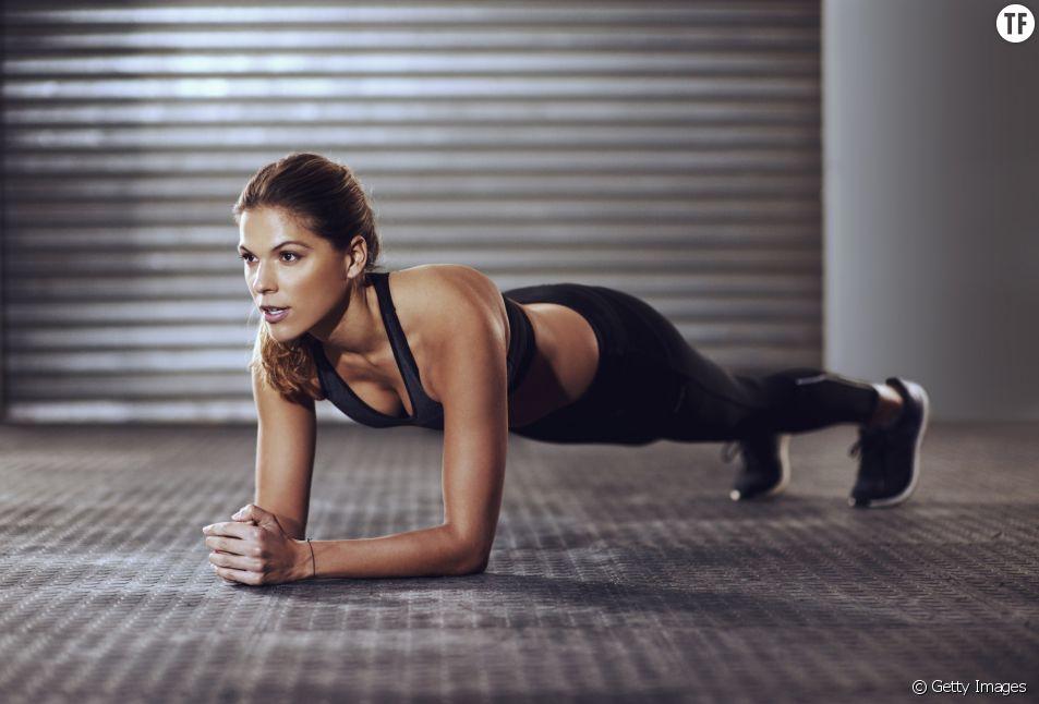 La pllanche : l'exercice fitness incontournable pour se dessiner une silhouette de rêve