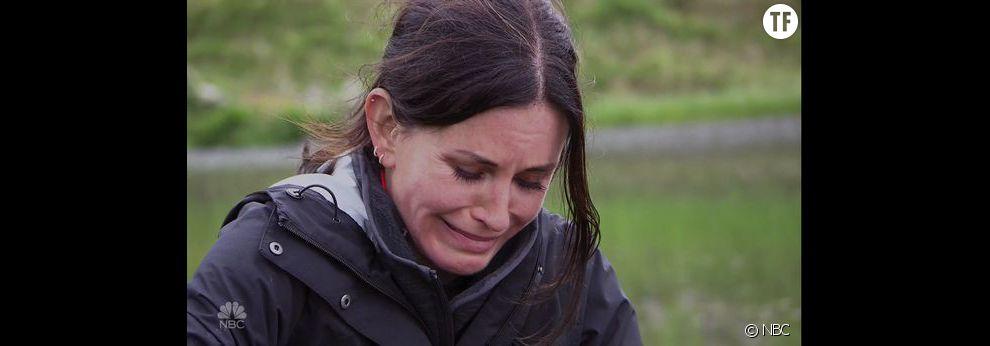 Courteney Cox en pleurs dans l'émission de Bear Grylls