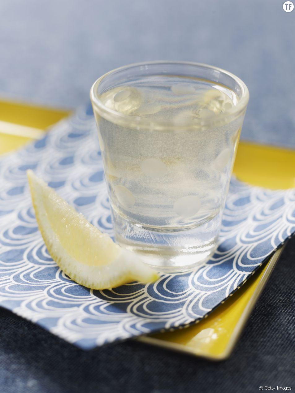 Le shot au citron, au gingembre et au safran : une recette miracle pour rendre vos matins plus faciles