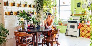 Cette femme a fait de son appartement une incroyable jungle urbaine