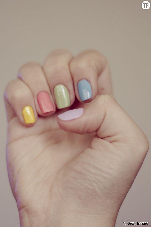 Pour de beaux ongles, usez et abusez de baume à lèvres