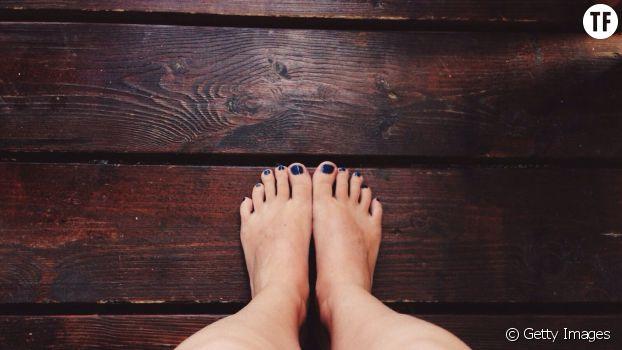 Baume à lèvres : un remède de taille contre les pieds secs !