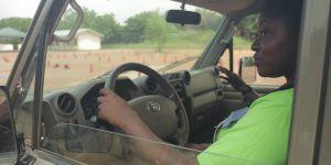 Au Ghana, les femmes se libèrent grâce aux leçons de conduite