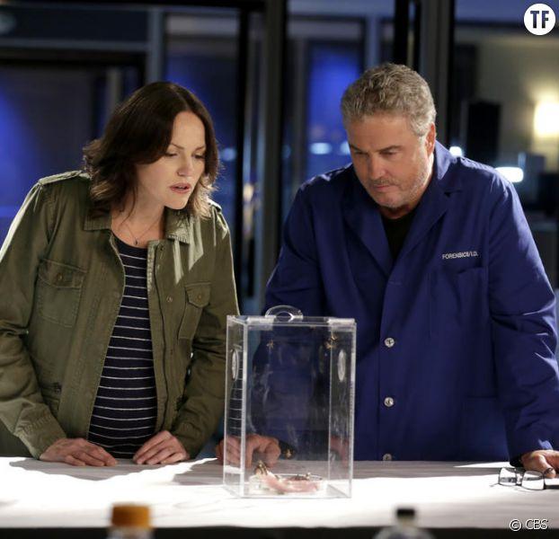 Jorja Fox (Sara Sidle) et William L. Petersen (Gil Grissom) dans le dernier épisode des Experts