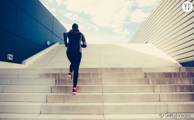 Faire des côtes ou rajouter des passages d'escalier durant notre footing pour muscler les jambes