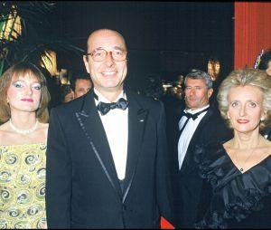 Jacques Chirac entouré de sa femme Bernadette et de sa fille Claude en novembre 1985