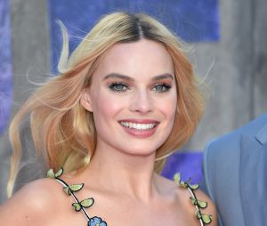 Les reflets blond rose de Margot Robbie