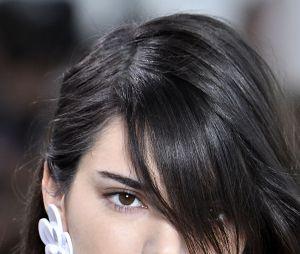 Le noir de jais de Kendall Jenner