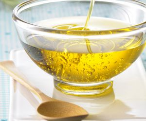 Faut-il adopter les bains de bouche à l'huile ?