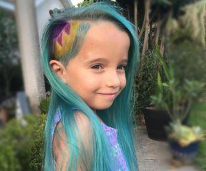 """Les """"cheveux de licorne"""" de cette petite fille créent la polémique"""