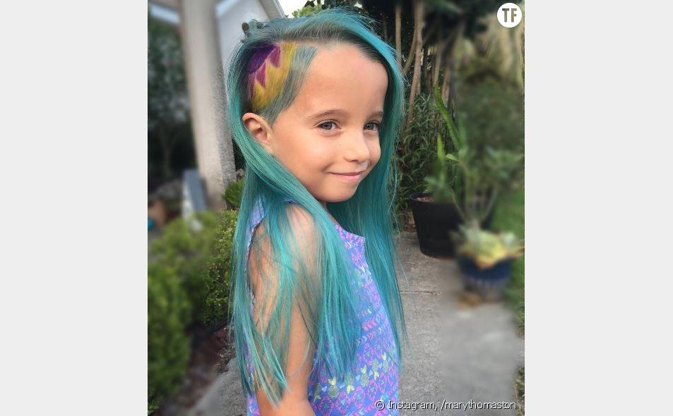 Les cheveux licorne de cette fillette créent la polémique sur Instagram