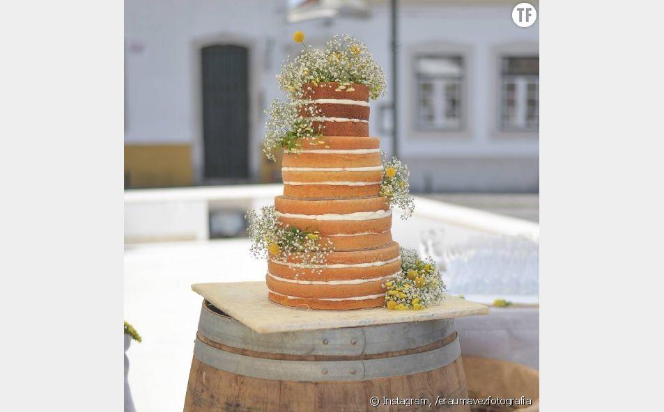 Naked cakes : les gâteaux de mariage qui açacent les internautes
