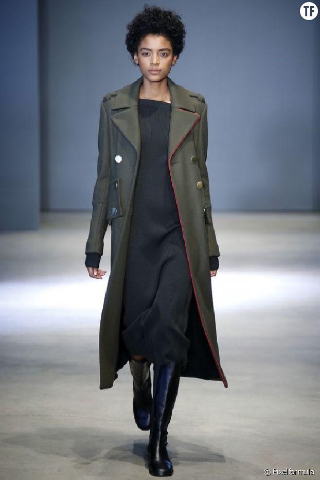 Le manteau style militaire de Tibi