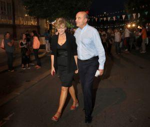 Alain Juppé, maire de Bordeaux et candidat à la primaire de la droite, et sa femme Isabelle passent leur soirée à une fête de quartier à Bordeaux, le 24 septembre 2016