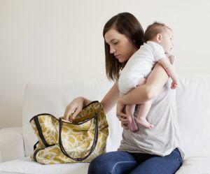 Toutes les mamans ont ce poison dans leur sac : les médecins alertent