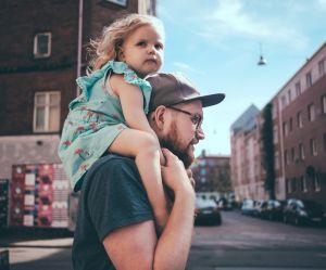 Le congé parental ne sera pas amélioré (et c'est en grande partie à cause de la France)