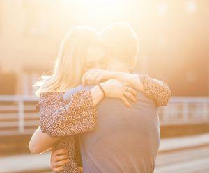 8 choses à savoir si vous sortez avec une personne anxieuse