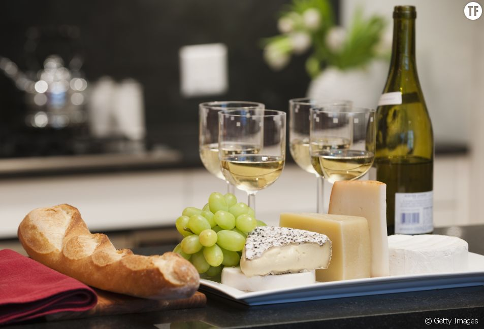 Pourquoi faut-il manger du fromage quand on boit du vin ?