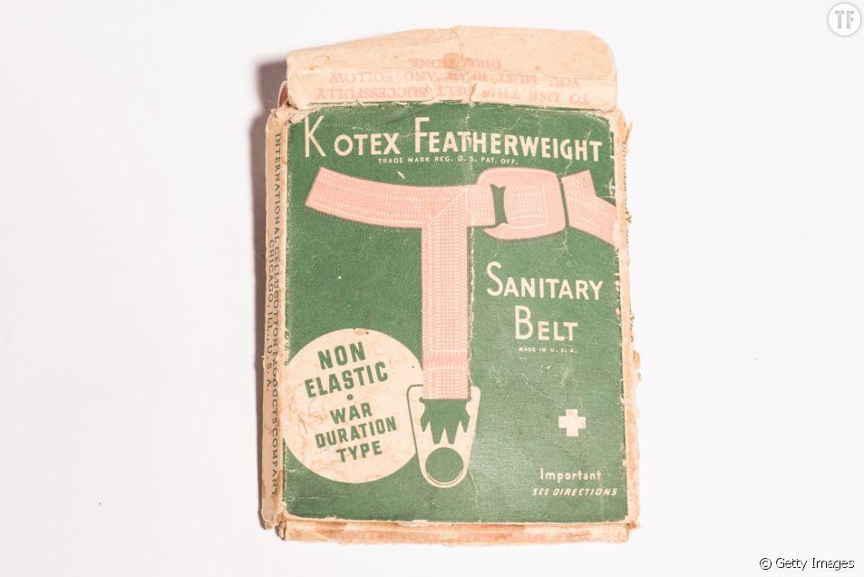 Ceinture sanitaire Kotex, visible au Musée des Menstruations