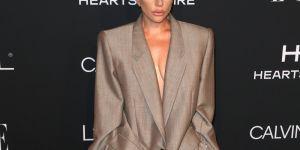 Le message caché derrière le costume XXL de Lady Gaga