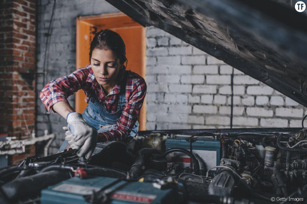 Femme mécanicienne