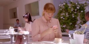 Stalker sur les réseaux sociaux, c'est tromper ?